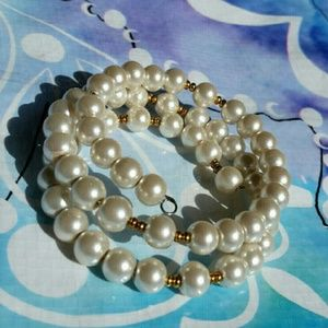 Faux Pearl Wrap Around Bracelet Gold Accent NWOT!